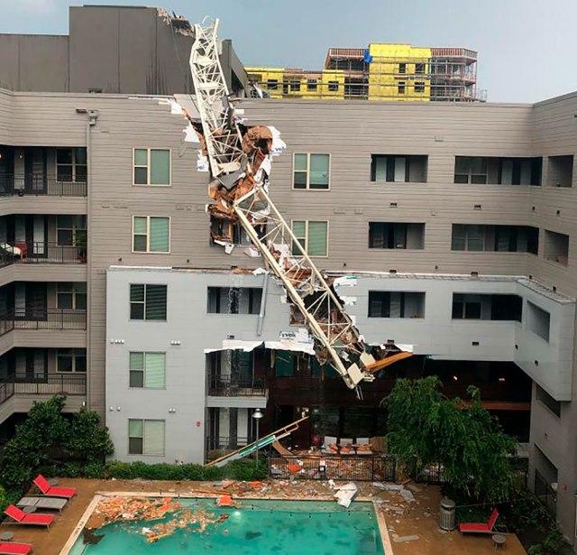 dallas-crane-collapse.jpg