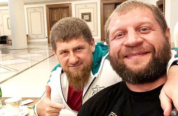 Александр Емельяненко сделал серьезный подарок Кадырову