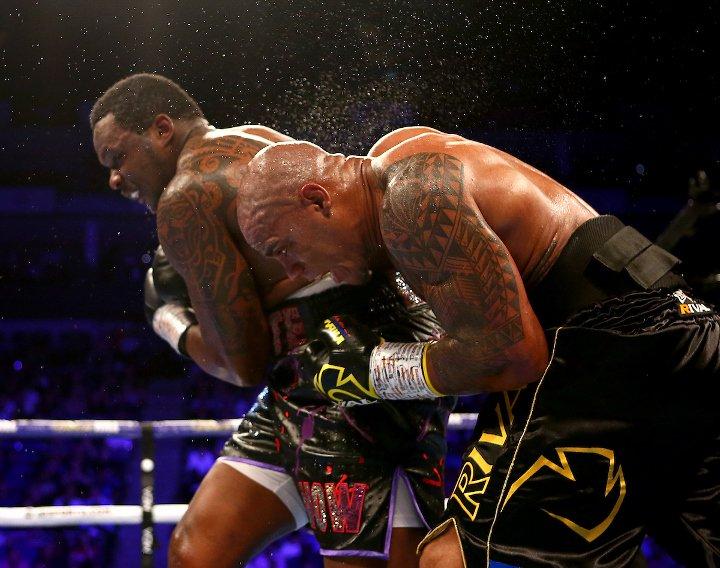 whyte-rivas-fight (13).jpg