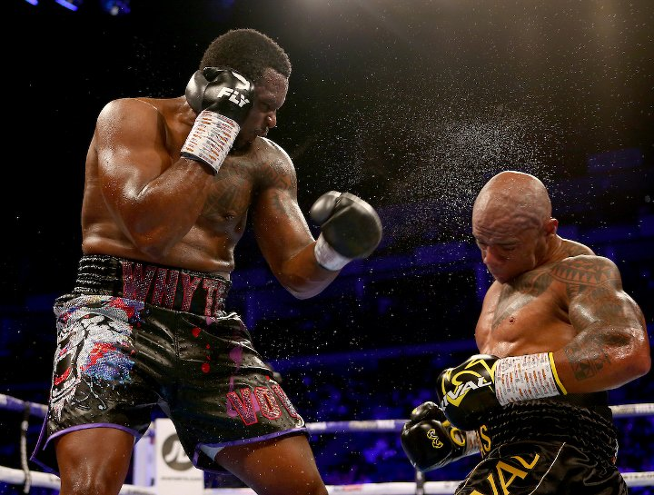 whyte-rivas-fight (14).jpg