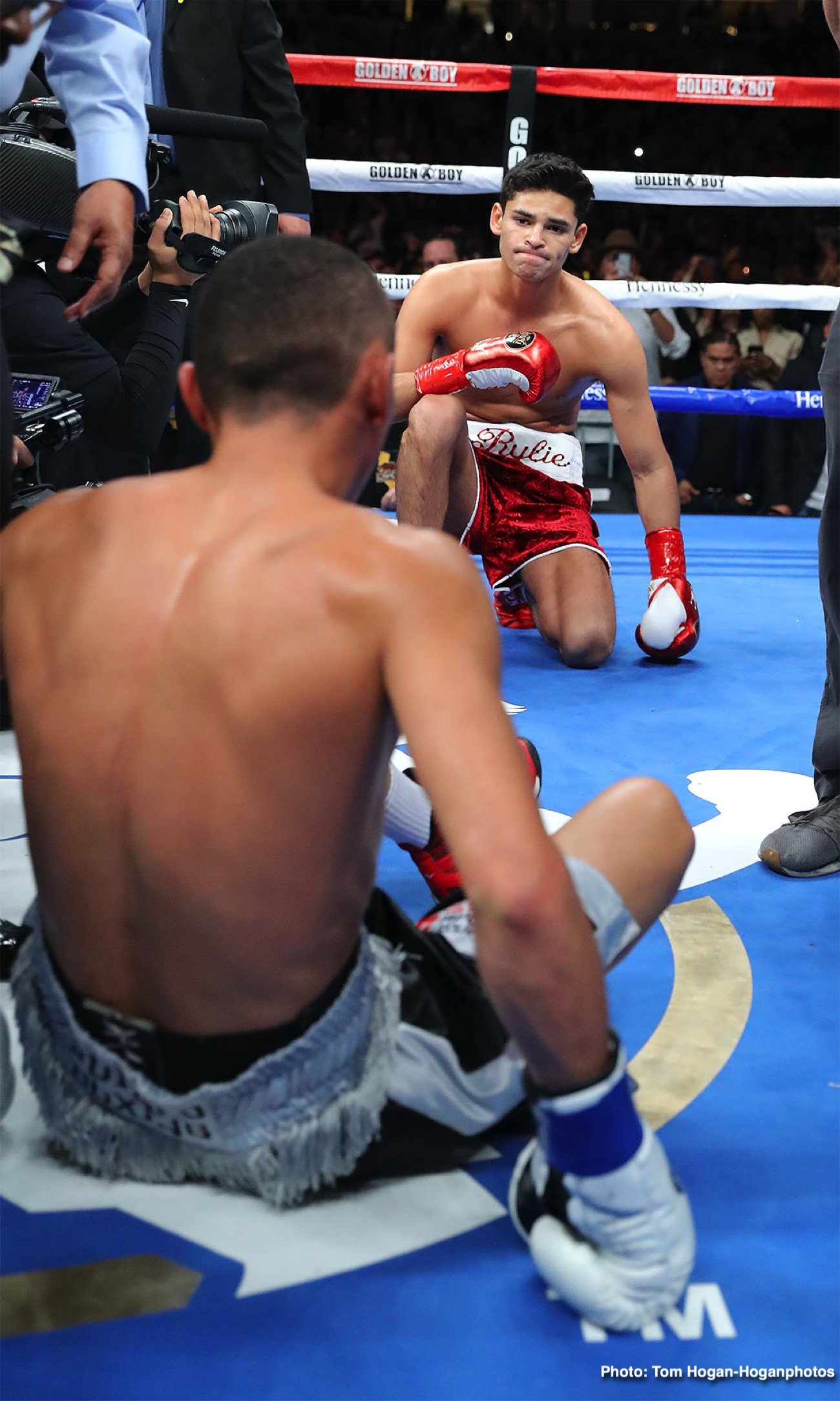 boxing-GarciaFonseca_Hoganphotos2.jpg