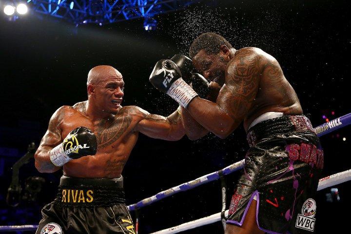 whyte-rivas-fight (18).jpg