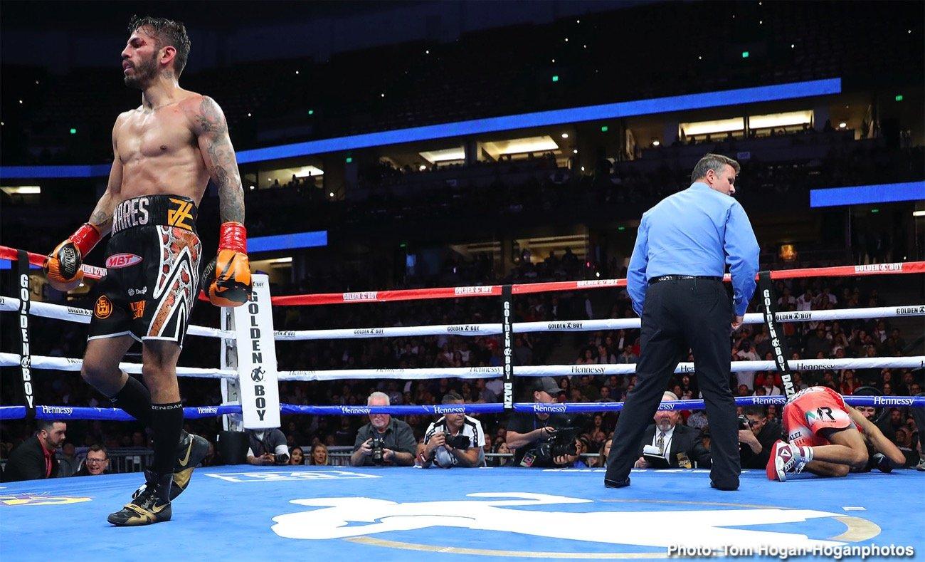 boxing-LinaresMorales_Hoganphotos4.jpg