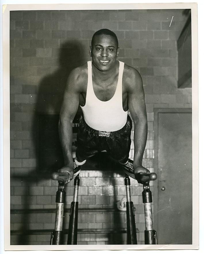 c-1936-boxing-john-henry-lewis-vintage-photograph-light-heavy-champion-hof-er-3.gif