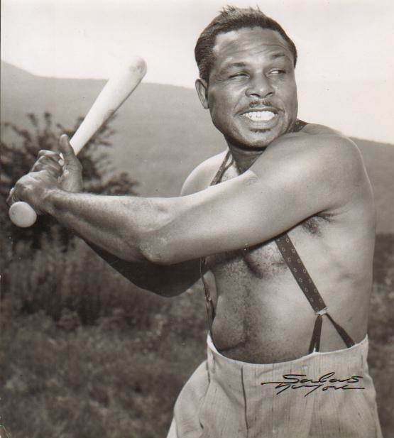 Moore,Archie swinging bat.JPG