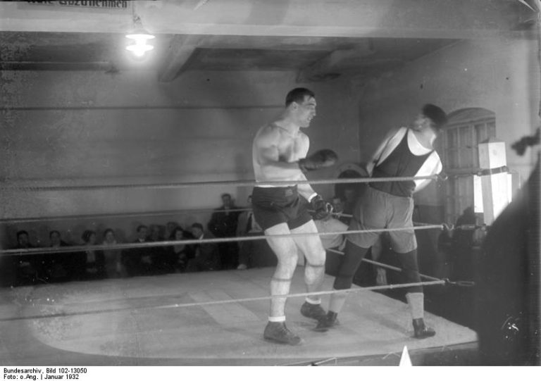 Primo-Carnera-in-a-sparring-session.-1-768x541_