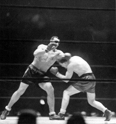 Primo-Carnera-squaress-off-against-Ernie-Schaaf._