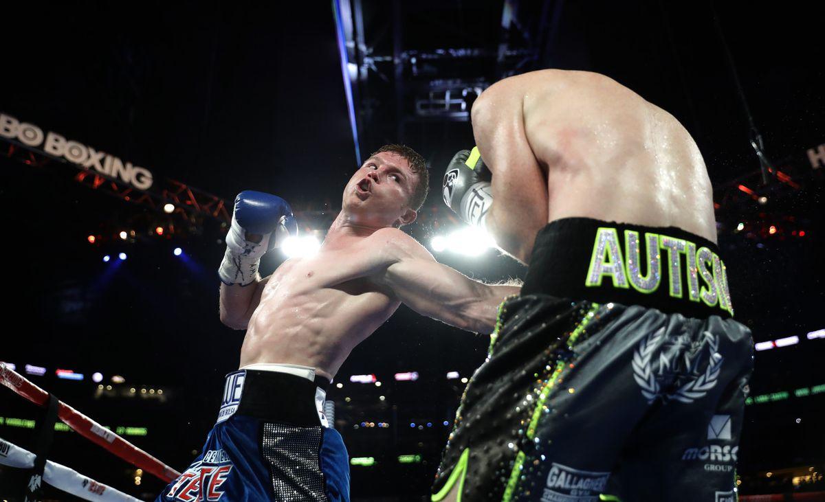 la-sp-sn-boxing-canelo-alvarez-fractured-thumb-20160919-snap